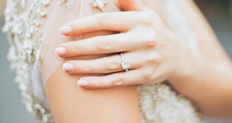 Verlobungsringe online entdecken